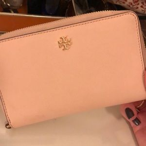 Tory Burch Blush Zip Wallet